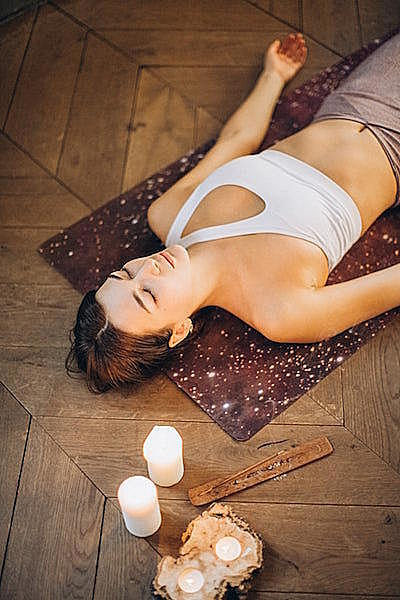 3招「睡眠瑜伽」學起來!睡前10分鐘讓你一覺到天亮!