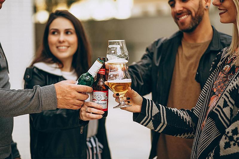 減肥也能輕鬆暢飲!揭秘「無酒精啤酒」為什麼能低熱量?