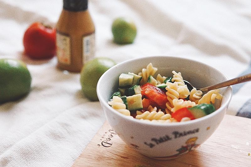 零廚藝也能美味上菜,手把手教學三道免開火料理!