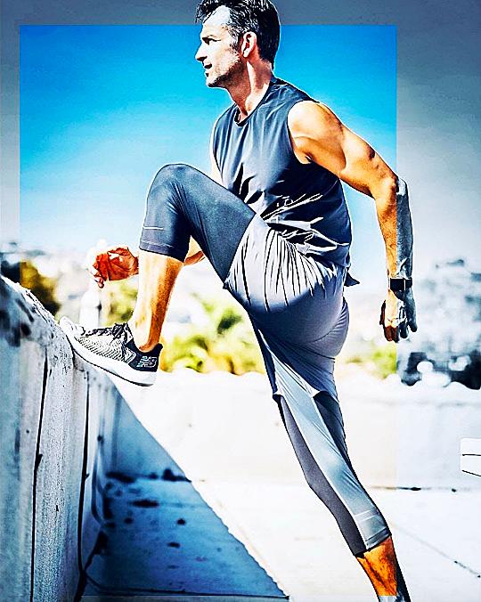 健身也要潮到出水!五家高端運動服 穿上戰袍秒變健身男神!
